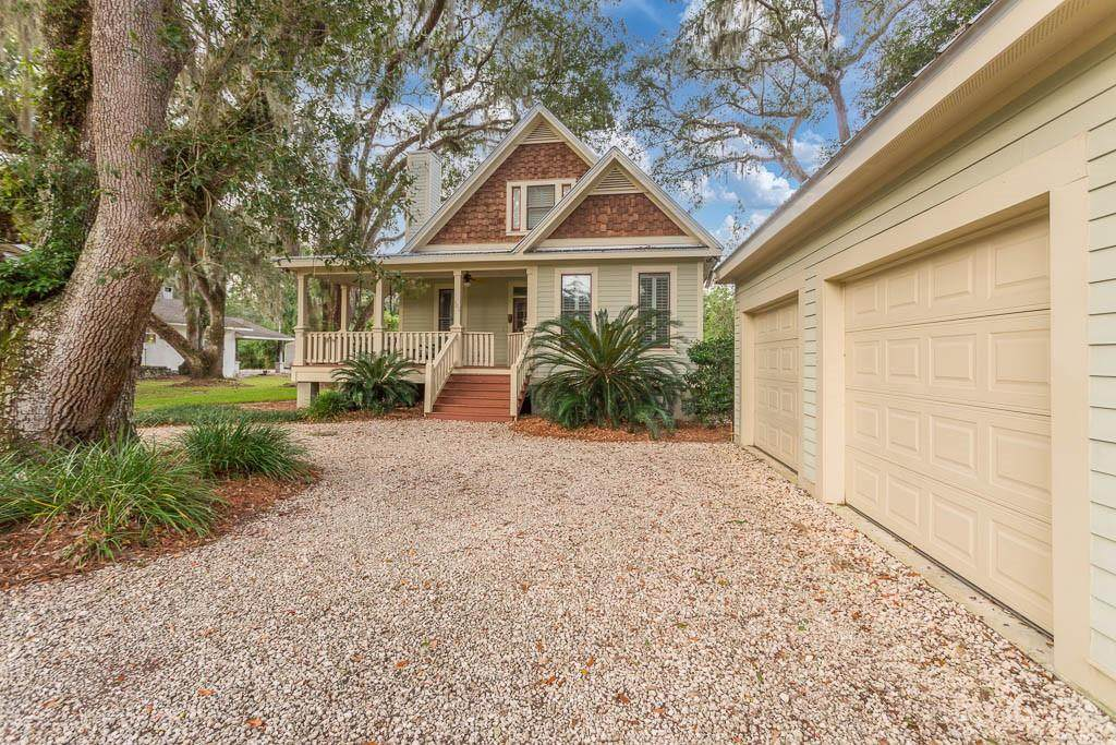 104 Youngwood Drive - Photo 1