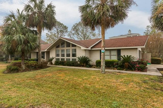 5017 Riverside Drive, Brunswick, GA 31520 (MLS #1586647) :: Coastal Georgia Living