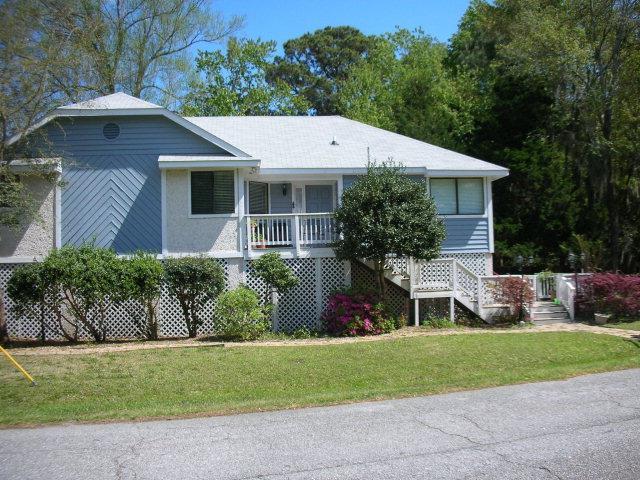 226 Florida Street, St. Simons Island, GA 31522 (MLS #1588062) :: Coastal Georgia Living
