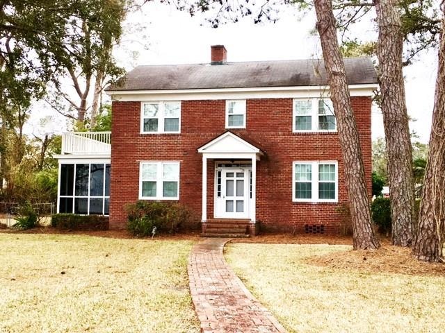 1027 Lanier, Brunswick, GA 31520 (MLS #1587222) :: Coastal Georgia Living