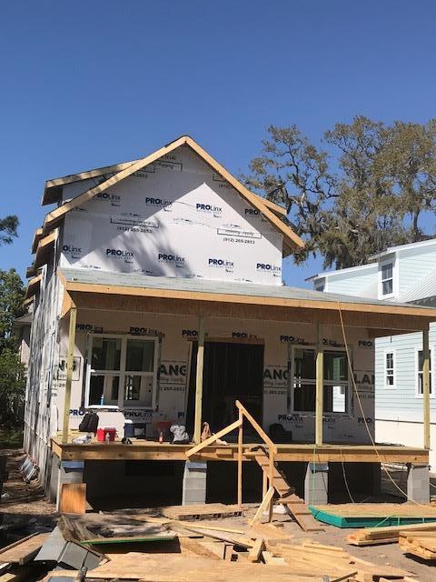 612 Holly Street, St. Simons Island, GA 31522 (MLS #1587688) :: Coastal Georgia Living