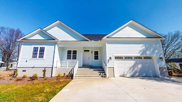 110 E Brown St, Pine Level, NC 27568 (#75189) :: The Beth Hines Team