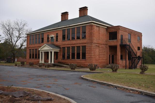 400 N William Street & Lot On Daisy Street, Goldsboro, NC 27530 (#72024) :: The Beth Hines Team