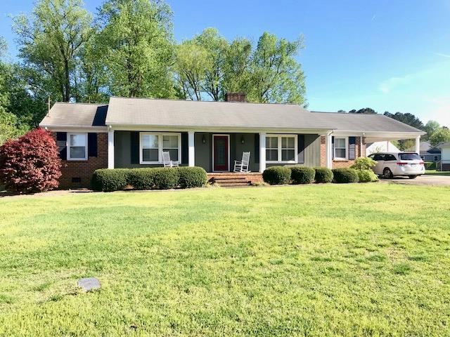 214 Pinewood Dr, Goldsboro, NC 27534 (#72811) :: The Beth Hines Team