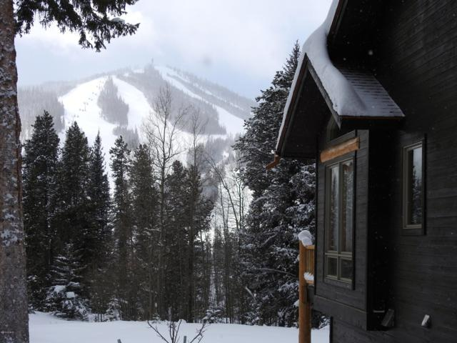 209 Mountain Lodge, Winter Park, CO 80482 (MLS #19-83) :: The Real Estate Company