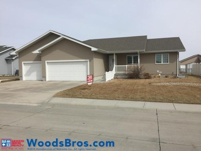 903 Sagewood Ave, Grand Island, NE 68803 (MLS #20190210) :: Berkshire Hathaway HomeServices Da-Ly Realty