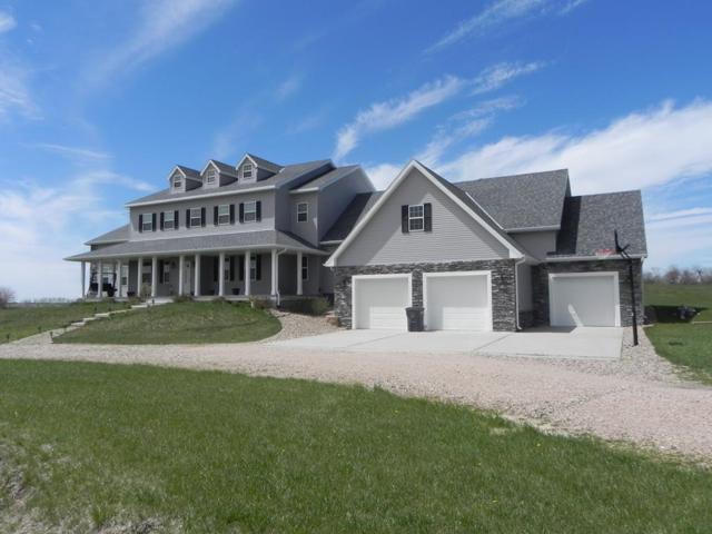 521 Meadowlark Dr, St. Libory, NE 68872 (MLS #20190351) :: Berkshire Hathaway HomeServices Da-Ly Realty