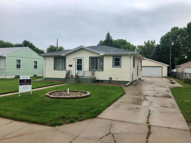 105 W 18th Street, Grand Island, NE 68801 (MLS #20190449) :: Berkshire Hathaway HomeServices Da-Ly Realty