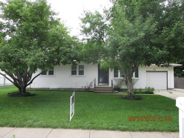 212 W Paul Street, Hastings, NE 68901 (MLS #20190529) :: Berkshire Hathaway HomeServices Da-Ly Realty