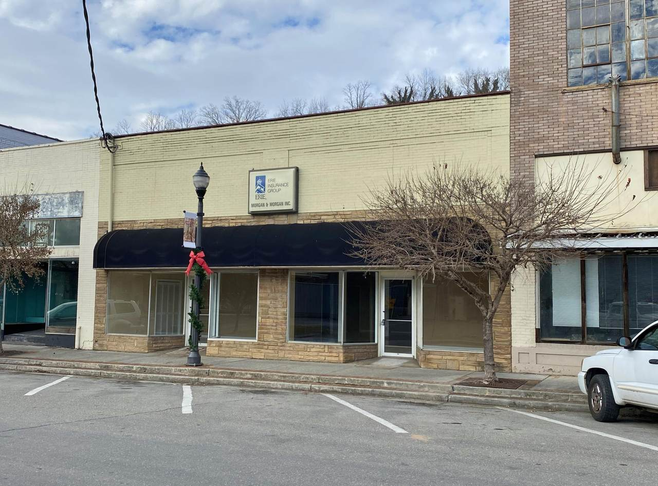 673 Edgar Ave - Photo 1
