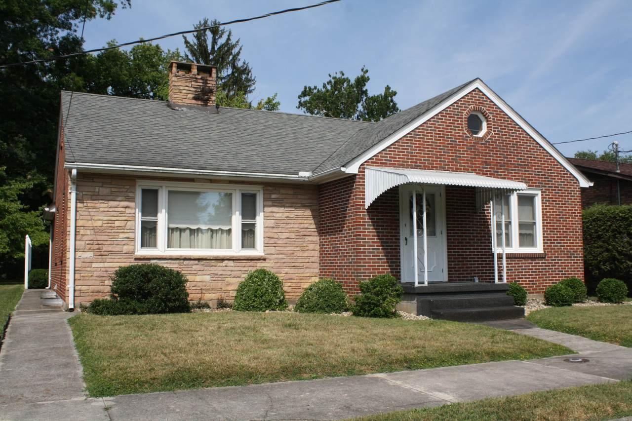 310 Maple Avenue - Photo 1
