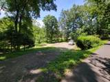 909 Rockland Rd - Photo 4