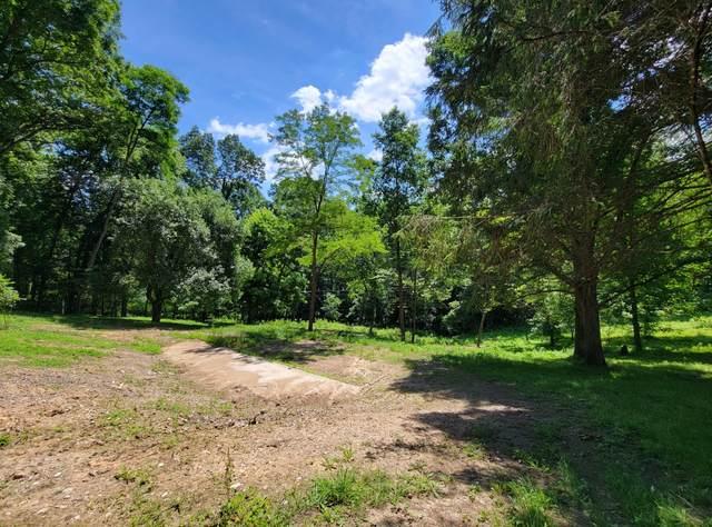 909 Rockland Rd, Ronceverte, WV 24970 (MLS #21-1020) :: Greenbrier Real Estate Service