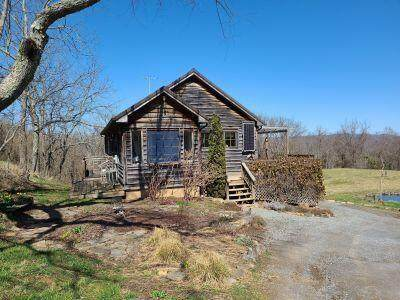 231 Hill Top Rd., GREENVILLE, WV 24945 (MLS #21-497) :: Greenbrier Real Estate Service