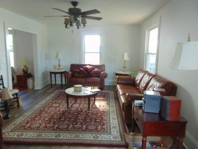 520 Pocahontas Ave, Ronceverte, WV 24970 (MLS #21-1300) :: Greenbrier Real Estate Service