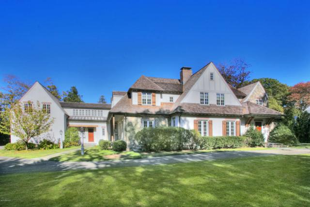 24 Overbrook Lane, Darien, CT 06820 (MLS #101878) :: The Higgins Group - The CT Home Finder