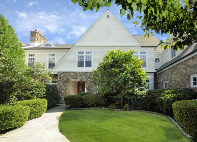10 Edgewood Drive 3B, Greenwich, CT 06831 (MLS #105084) :: The Higgins Group - The CT Home Finder