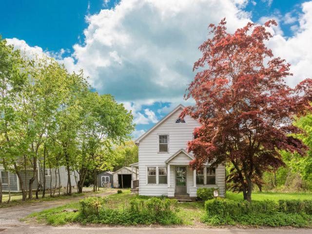 566 River Road, Cos Cob, CT 06807 (MLS #106618) :: The Higgins Group - The CT Home Finder