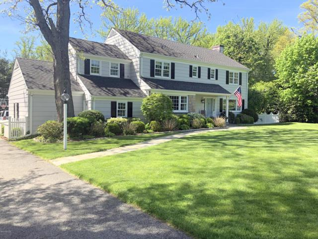110 Meadow Road, Riverside, CT 06878 (MLS #106628) :: The Higgins Group - The CT Home Finder