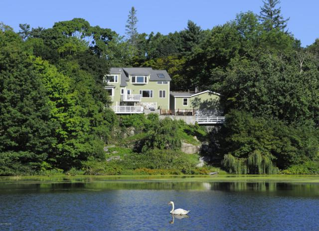 255 Valley Road, Cos Cob, CT 06807 (MLS #106664) :: The Higgins Group - The CT Home Finder