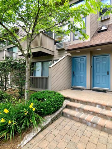 1465 E Putnam Avenue #202, Old Greenwich, CT 06870 (MLS #107136) :: GEN Next Real Estate