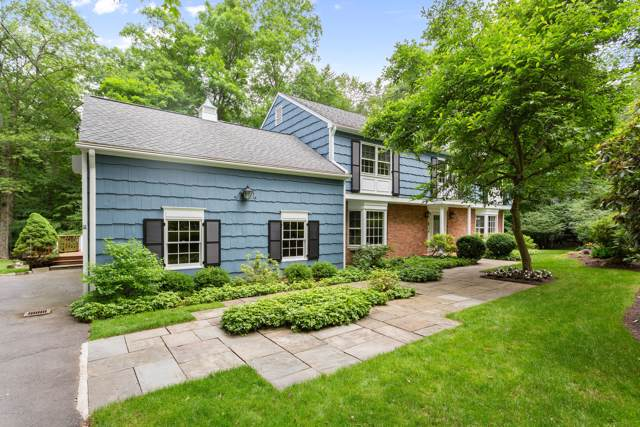 54 Londonderry Drive, Greenwich, CT 06830 (MLS #107579) :: The Higgins Group - The CT Home Finder