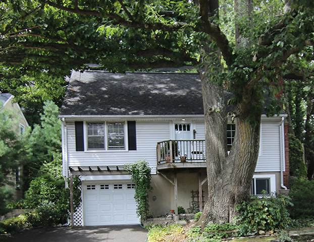 90 Laddins Rock Road, Old Greenwich, CT 06870 (MLS #107736) :: GEN Next Real Estate
