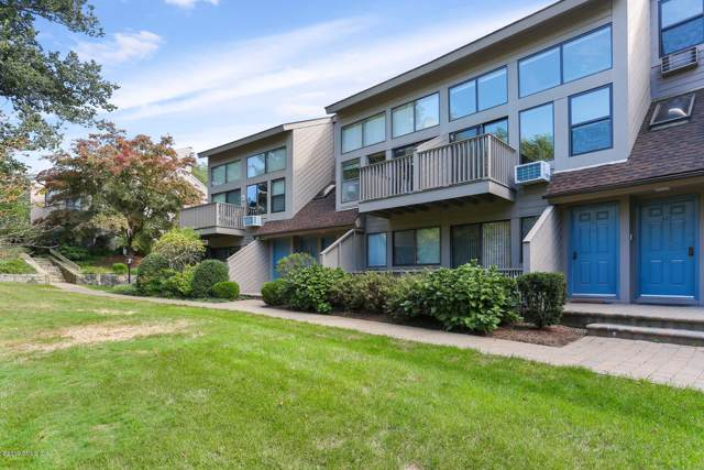 1465 E Putnam Avenue #327, Old Greenwich, CT 06870 (MLS #108024) :: The Higgins Group - The CT Home Finder