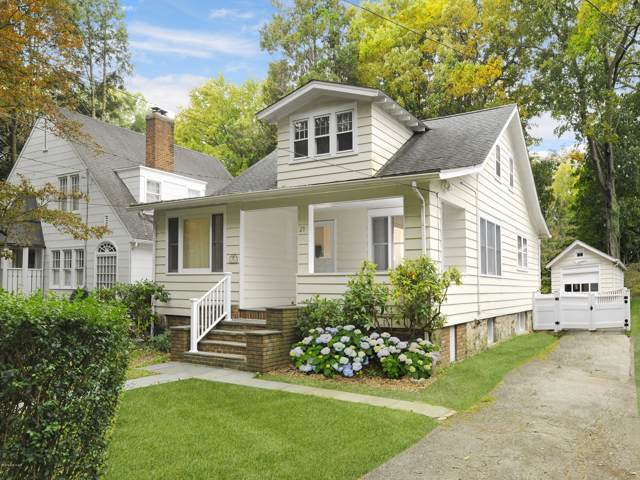 29 Cross Lane, Cos Cob, CT 06807 (MLS #108091) :: The Higgins Group - The CT Home Finder