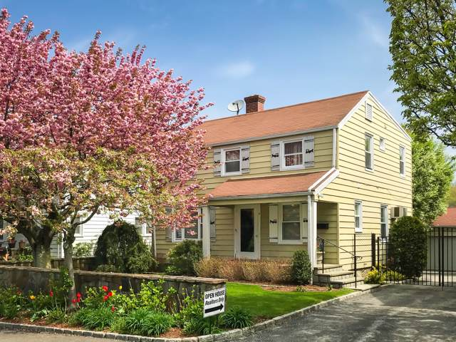 4 Seitz Lane, Cos Cob, CT 06807 (MLS #108101) :: The Higgins Group - The CT Home Finder