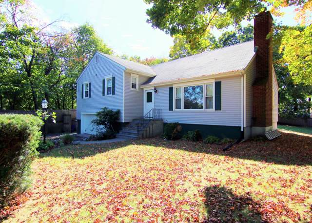 40 Maplewood Drive, Cos Cob, CT 06807 (MLS #108111) :: The Higgins Group - The CT Home Finder