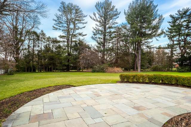 487 Lake Avenue, Greenwich, CT 06830 (MLS #109068) :: The Higgins Group - The CT Home Finder