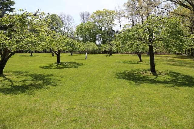 875 Lake Avenue, Greenwich, CT 06831 (MLS #109120) :: GEN Next Real Estate