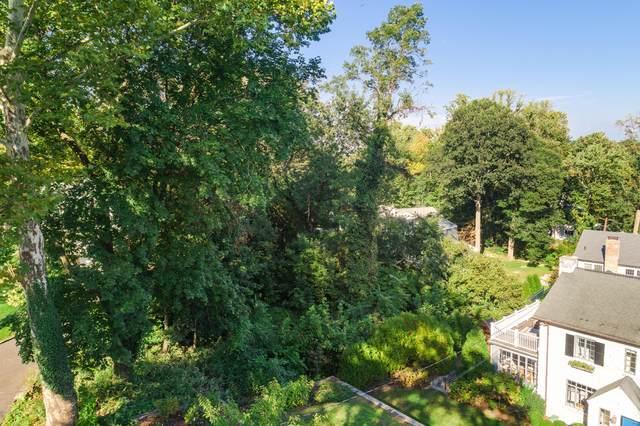 30 Crescent Road, Riverside, CT 06878 (MLS #110124) :: The Higgins Group - The CT Home Finder