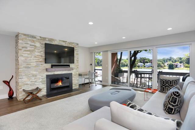 15 River Road #212, Cos Cob, CT 06807 (MLS #110376) :: GEN Next Real Estate