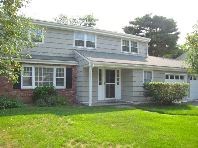 28 Rainbow Drive, Riverside, CT 06878 (MLS #110470) :: The Higgins Group - The CT Home Finder