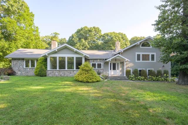 35 Dartmouth Road, Cos Cob, CT 06807 (MLS #110701) :: Frank Schiavone with William Raveis Real Estate
