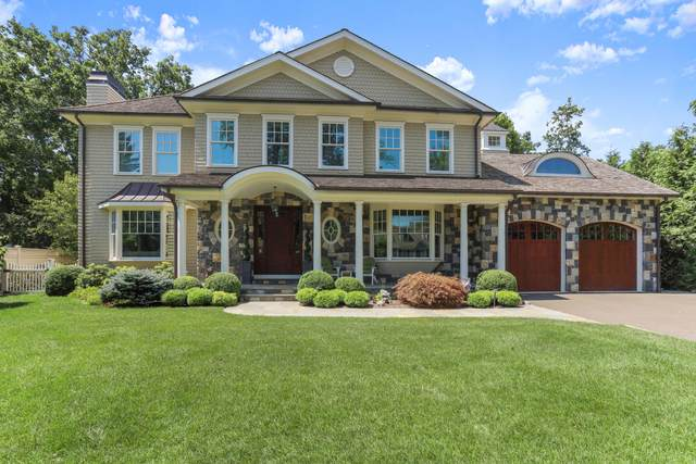 16 Center Road, Old Greenwich, CT 06870 (MLS #110792) :: Frank Schiavone with William Raveis Real Estate