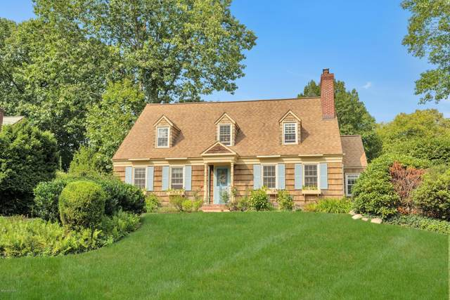 5 Brookside Park, Old Greenwich, CT 06870 (MLS #111182) :: The Higgins Group - The CT Home Finder
