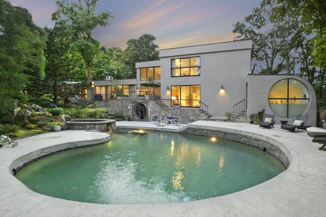 60 Lismore Lane, Greenwich, CT 06831 (MLS #111183) :: The Higgins Group - The CT Home Finder