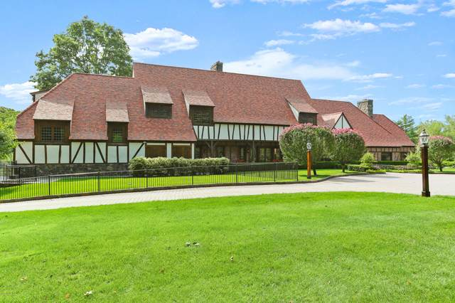 12 Dwight Lane, Greenwich, CT 06831 (MLS #111196) :: The Higgins Group - The CT Home Finder