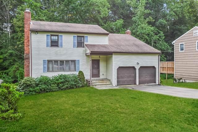 6 Windsor Lane, Cos Cob, CT 06807 (MLS #111216) :: The Higgins Group - The CT Home Finder