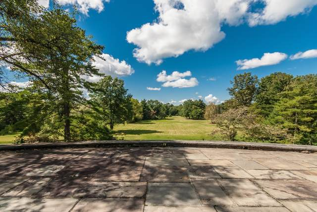 188 Round Hill Road, Greenwich, CT 06831 (MLS #111402) :: The Higgins Group - The CT Home Finder
