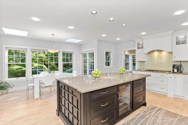 12 Fairgreen Lane, Old Greenwich, CT 06870 (MLS #111499) :: GEN Next Real Estate