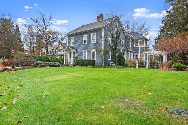 112 Shore Road, Old Greenwich, CT 06870 (MLS #111907) :: GEN Next Real Estate