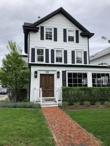 123 Mason Street, Greenwich, CT 06830 (MLS #114153) :: Kendall Group Real Estate   Keller Williams