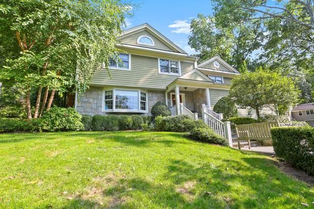 1 Shady Brook Lane, Old Greenwich, CT 06870 (MLS #114238) :: GEN Next Real Estate