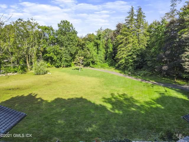 6 Meadow Drive, Greenwich, CT 06831 (MLS #114299) :: Kendall Group Real Estate | Keller Williams