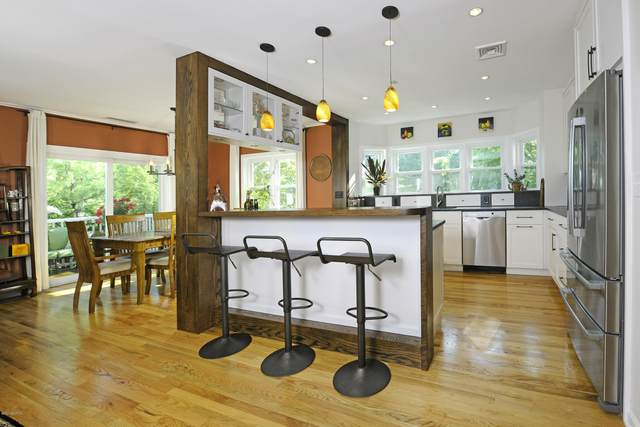 51 Forest Avenue Unit 2, Old Greenwich, CT 06870 (MLS #110367) :: The Higgins Group - The CT Home Finder