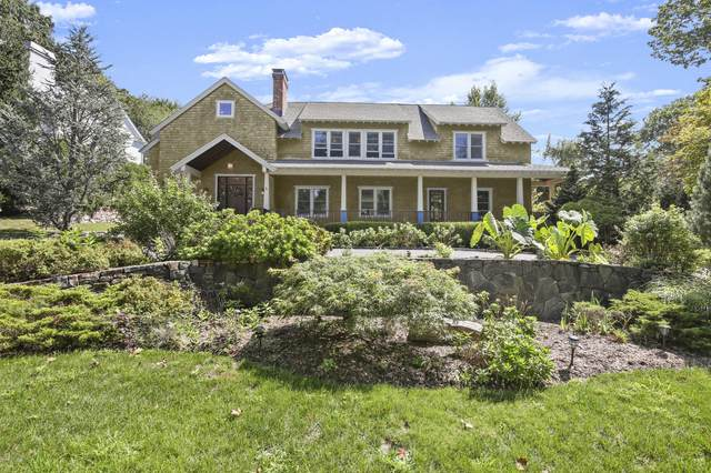 63 N North Ridge Road, Old Greenwich, CT 06870 (MLS #111084) :: The Higgins Group - The CT Home Finder